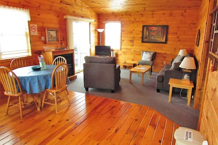 PEI Getaway in a Cozy and Clean Waterview Cottage