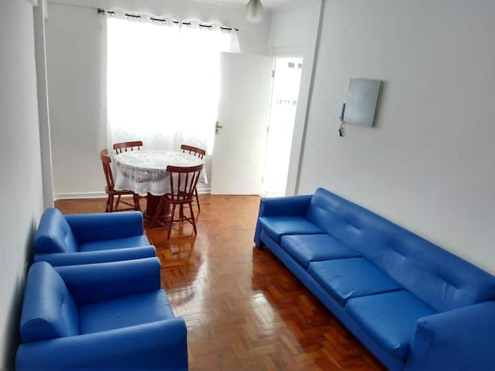 Apartamento de 2 quartos na praia do Gonzaga