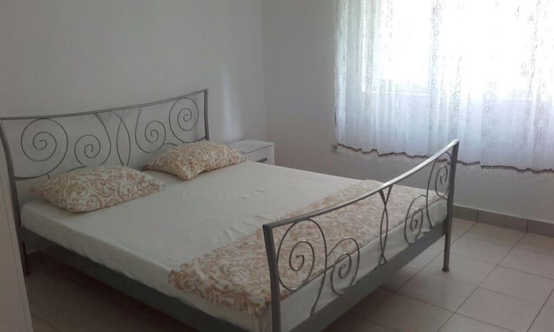 Loviška comfort room - Trpanj - House