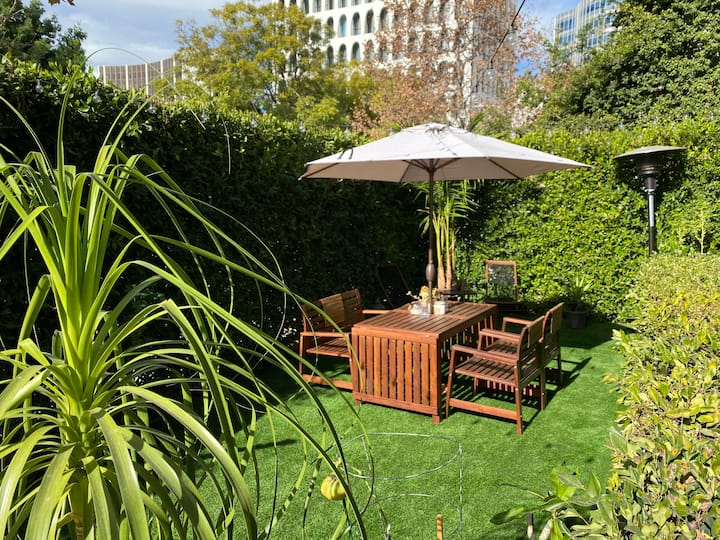 Garden Oasis in the Heart of Beverly Hills 1BR/2BA