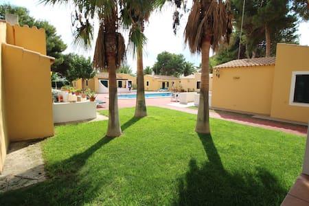 Villa muy bien situada a 200m de la playa - Son Xoriguer - Villa