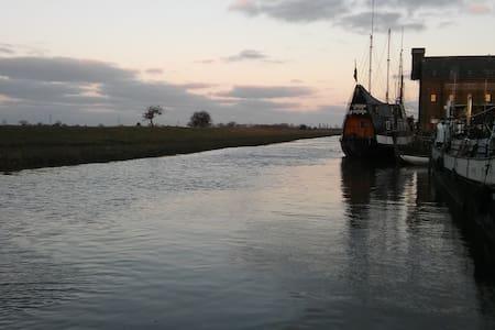 Tug Boat 'Duke Shore' - Faversham