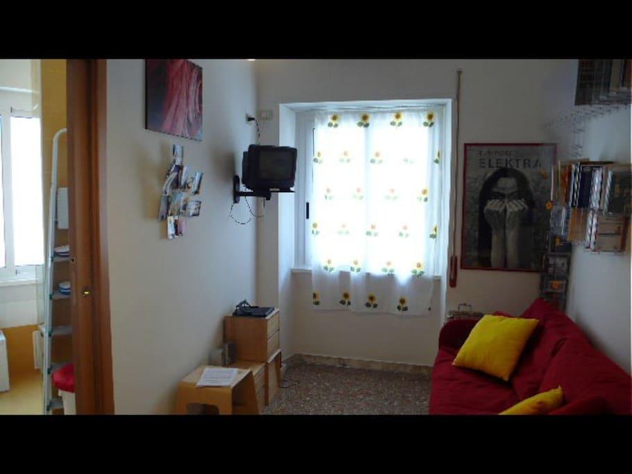 Monolocale in san giovanni case in affitto a roma lazio for Affitto uso ufficio roma san giovanni