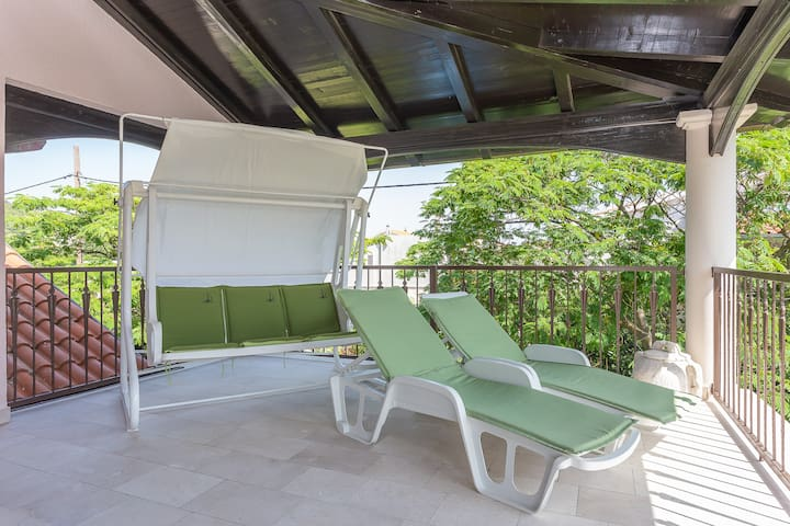 Cozy Home★Big Garden★Jacuzzi★Heated Pool★FreeBikes