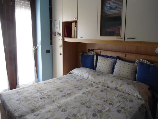 Private room close to Metro(yellow) - Napoli - Apartmen