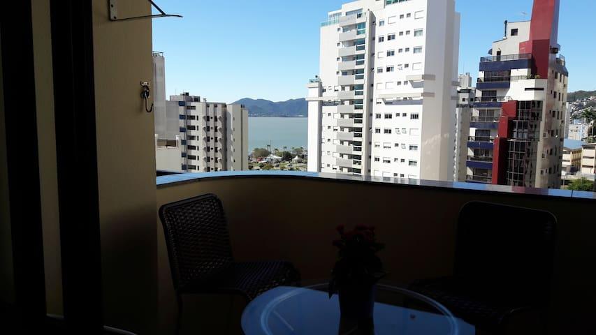 Quarto Apê vista Mar Centro Florianópolis SC