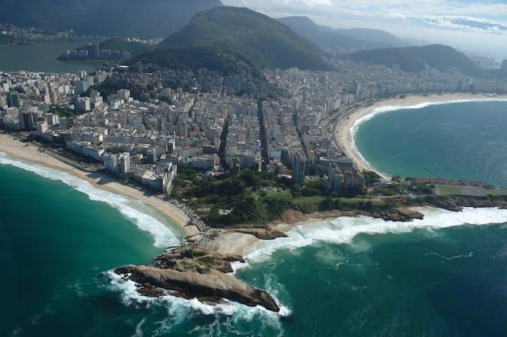 Studio Maravilhoso ao lado da Praia de Copacabana