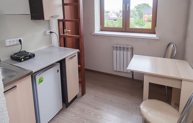 Уютная Квартира- Студия в большом особняке.