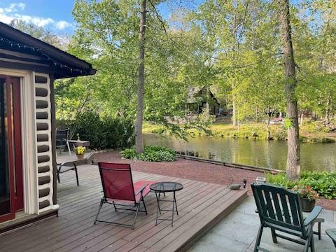 *New Listing* Lovely Lakefront Log Cabin in ML