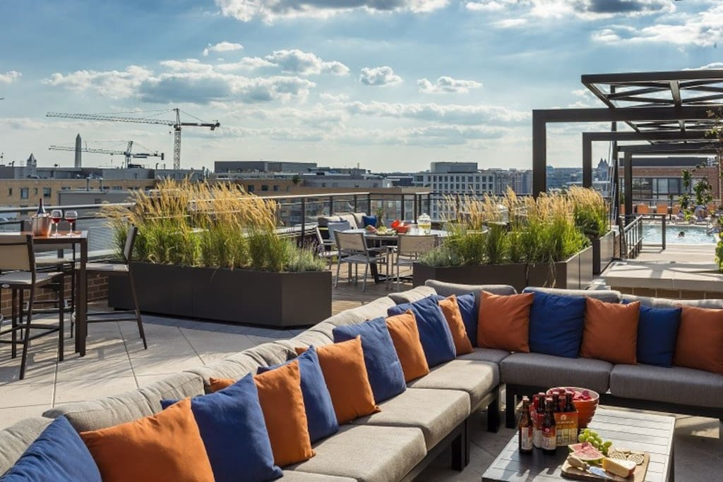 Huge Rooftop—lots of sitting areas, fireplaces, grills, and amazing views of the whole city