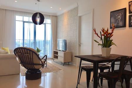 Cozy & spacious place, lagoon pool, Pondok Indah - Cilandak - Apartament