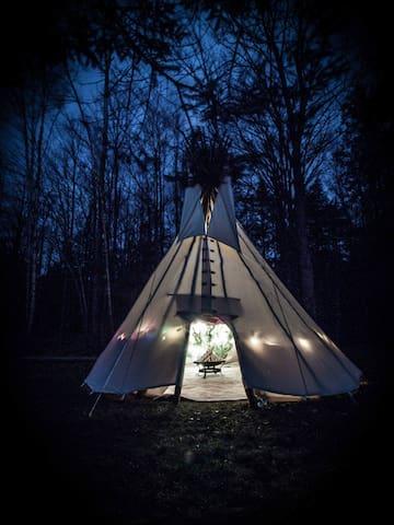 Canadian Tipi Experience (TeePee) - Erin