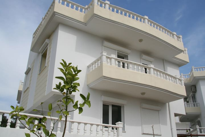 A lovely villa with beautiful view - Özdere - Casa