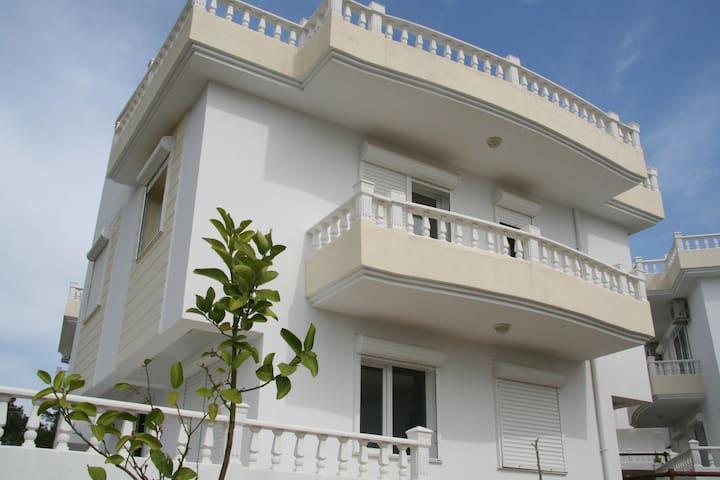 A lovely villa with beautiful view - Özdere - Dům