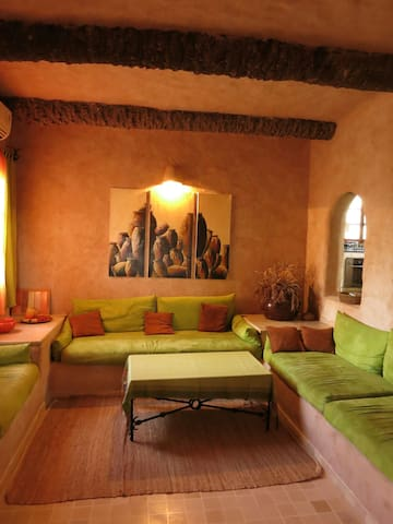 Maison de caractère face a la mer - Sidi Salem - ที่พักพร้อมอาหารเช้า