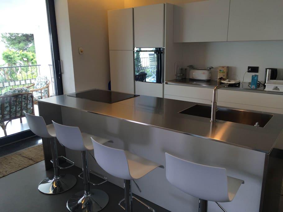 Appartamento principale: piano lavoro cucina