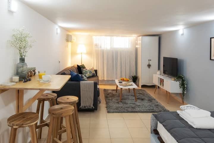 Experience in TLV - Parter Apartment