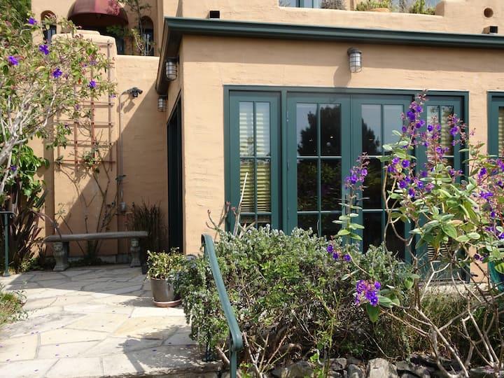 Light-filled Studio with Garden in Berkeley