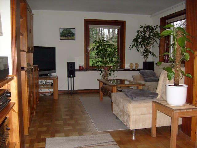 FeWo im Haus am Wald mit Sauna & E-Bikes - Schleswig - Appartement
