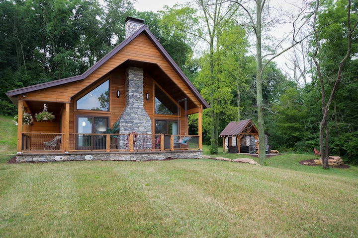 The Oasis Retreat Cabin in Ohio's Amish Country