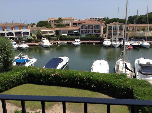 Bel appartement vue mer Port Cogolin (St Tropez)
