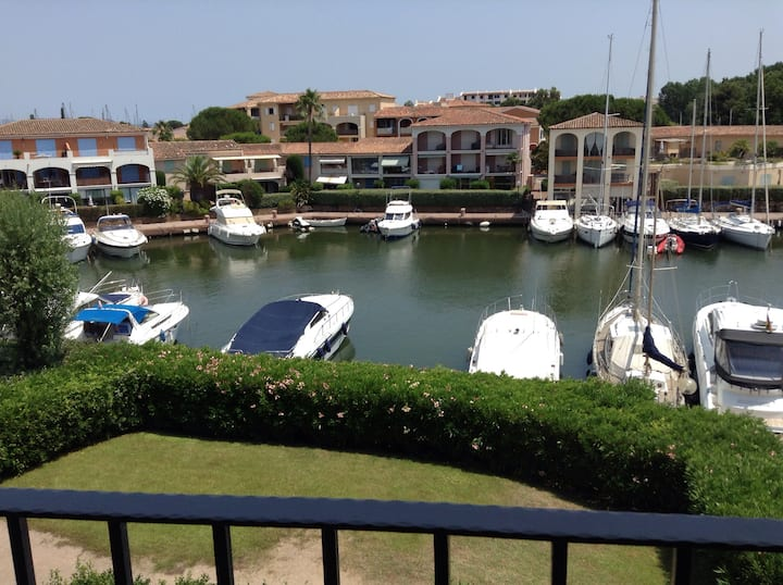 Bel appartement vue mer Port Cogolin (St Tropez)