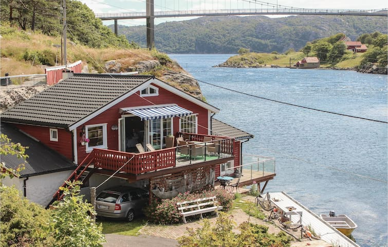Holiday cottage with 3 bedrooms on 82m² in Korshamn