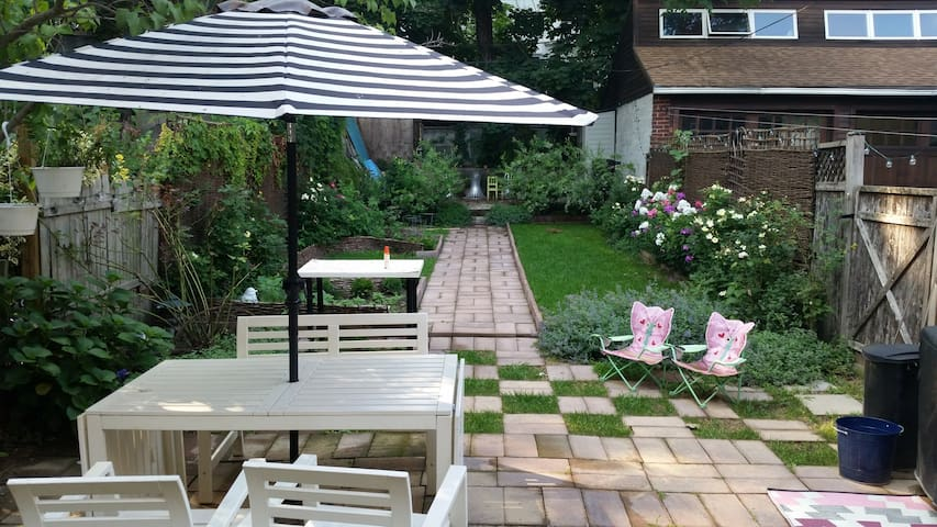 Charming 2 Bedroom by Prospect Park