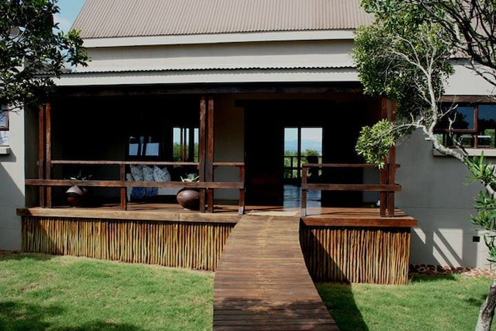 Royal Jozini's Sweet Thorn Lodge