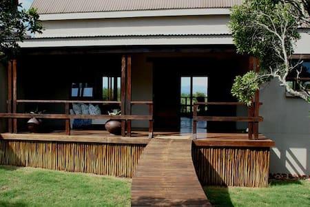 Royal Jozini's Sweet Thorn Lodge