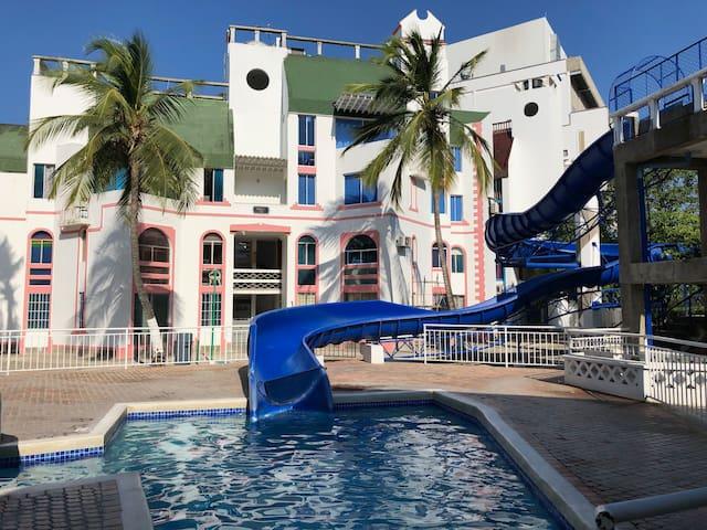 Apto Rodadero Santa Marta con piscina cerca playa