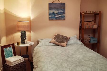 Cosy bedroom only a short drive from the beach! - Dunvant - Ház