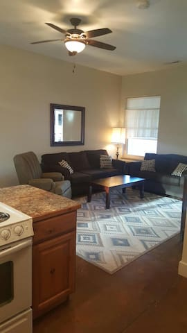 Bluff House 2 - Cool, Comfortable, Close - Bluff - Apartamento