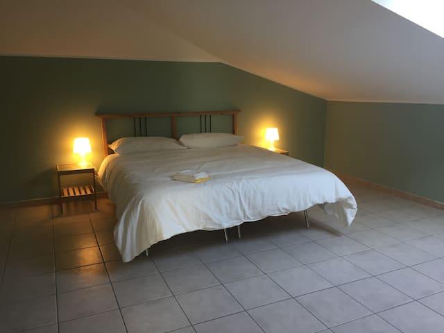 Intero appartamento mansardato a Caselle Torinese - Caselle Torinese - Appartamento
