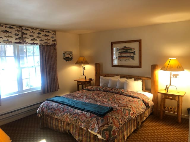 River Ranch Lodge King bed, ground floor ADA