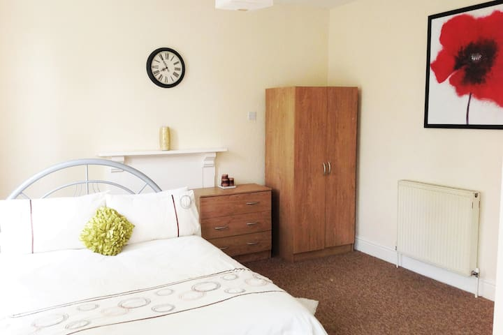 Birmingham Guest House 5, Room 4 - Birmingham - Gæstehus