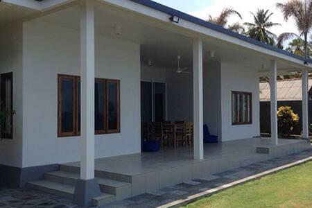 Air Sanih Beach Villa - Kubutambahan