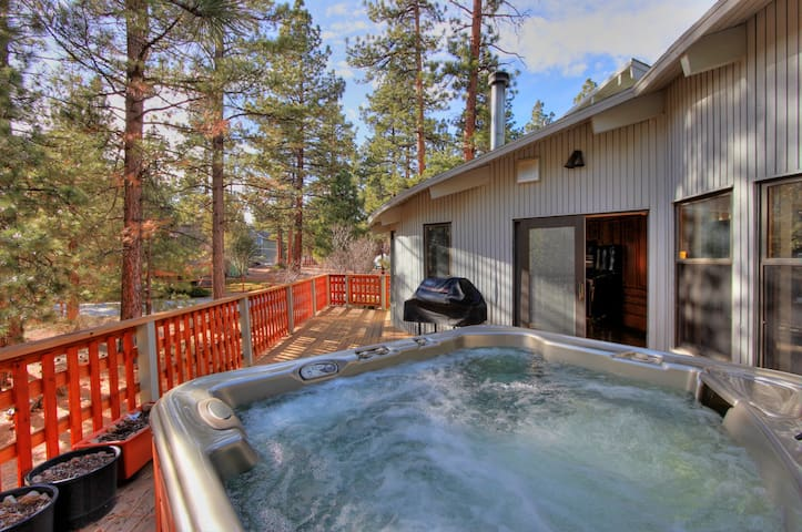 Ursa Manor Pool Table Wifi Cabins For Rent In Big Bear Lake California United States