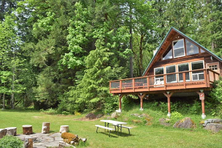 Cowlitz River Cabin | Stunning Views, Yard + BBQ