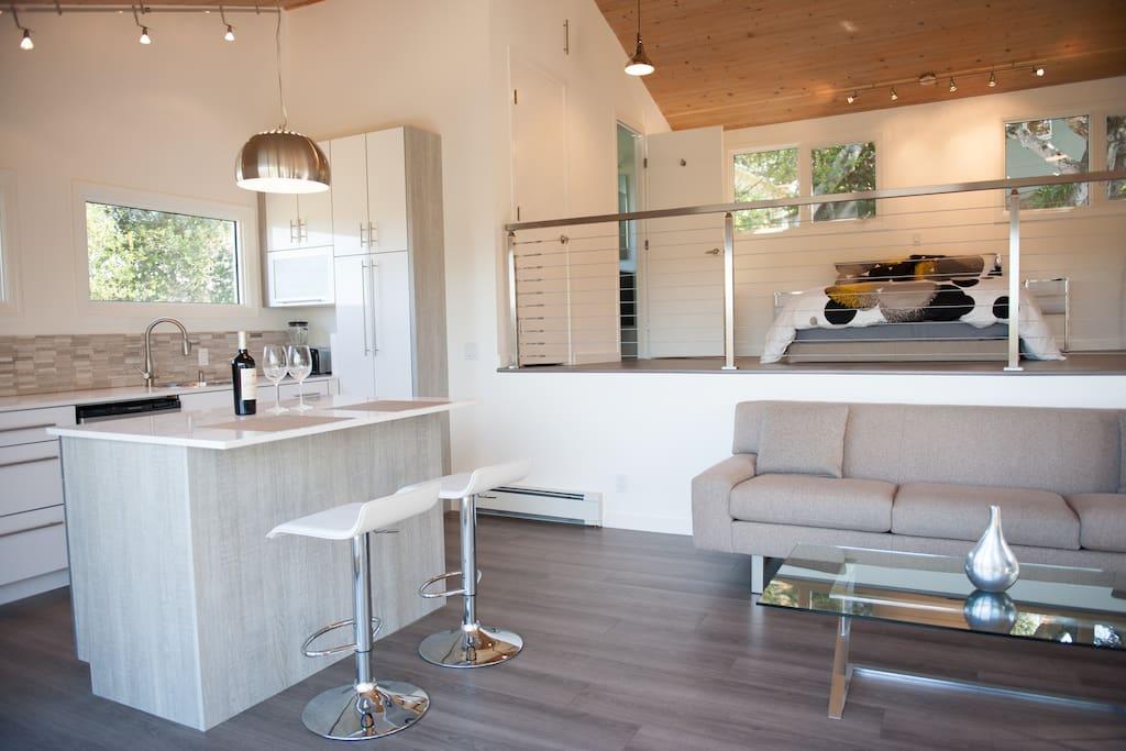 Spacious, bright, loft style open floor plan