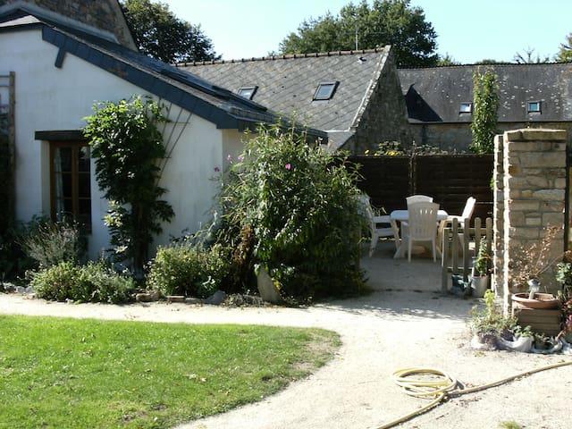 Les Fleurs Cottage near Rochefort en Terre - Pluherlin