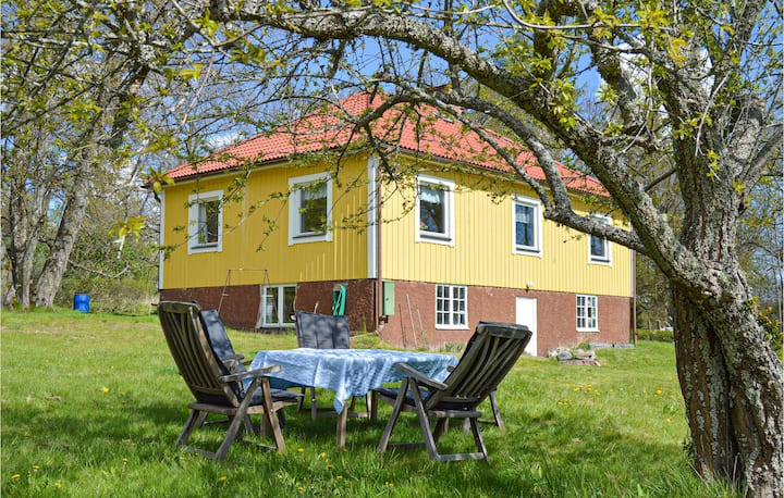 Beautiful home in Bålsta with 2 Bedrooms
