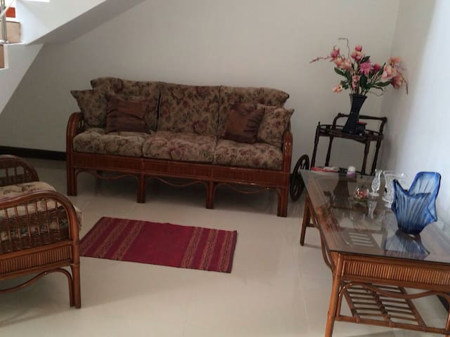 Cosy 2 bed room flat with privacy - Dehiwala-Mount Lavinia - Apartment