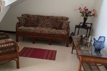 Cosy 2 bed room flat with privacy - Wohnung