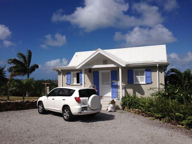Quaint home with expansive Caribbean/Atlantic view