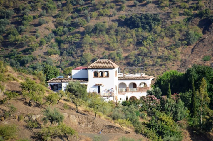 Authentic Andalusien Finca. Apt. 2
