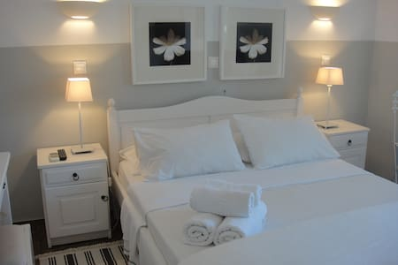 Classic mountain view room 9 - Agii Pantes - Bed & Breakfast