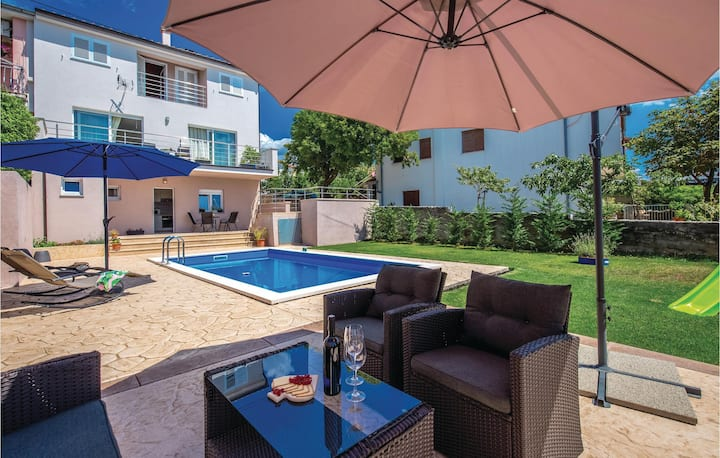 Amazing home in Smrika with WiFi and 2 Bedrooms