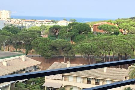 6ème étage avec vue sur la mer - Castell-Platja d'Aro - Lakás