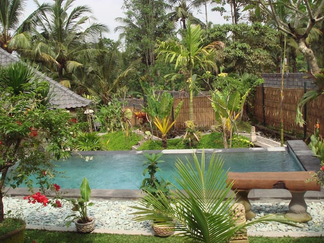 paecefull place guest house in ubud